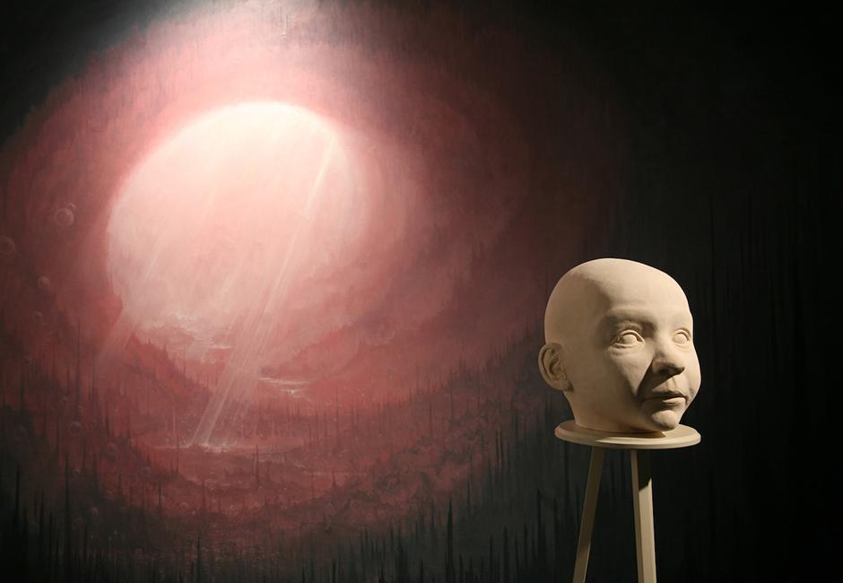kg-Richard-Stipl_Ceramic-Object_Head_Beije_30x32x32cm_Painted-Canvas_Landscape_3x2m