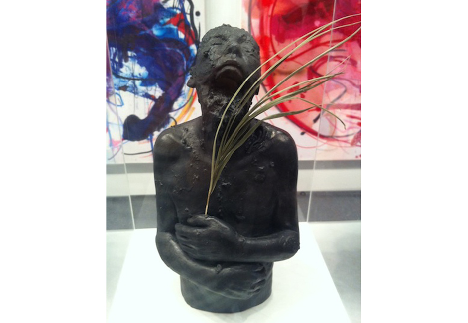 kg-Richard-Stipl_Idol-Noir_Ceramic-Object_30x15x15cm