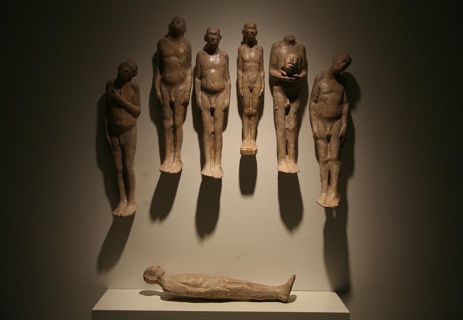 kg-Richard-Stipl_Untitled_Ceramic-Objects_Figure_Beige_73x17x10cmJPG